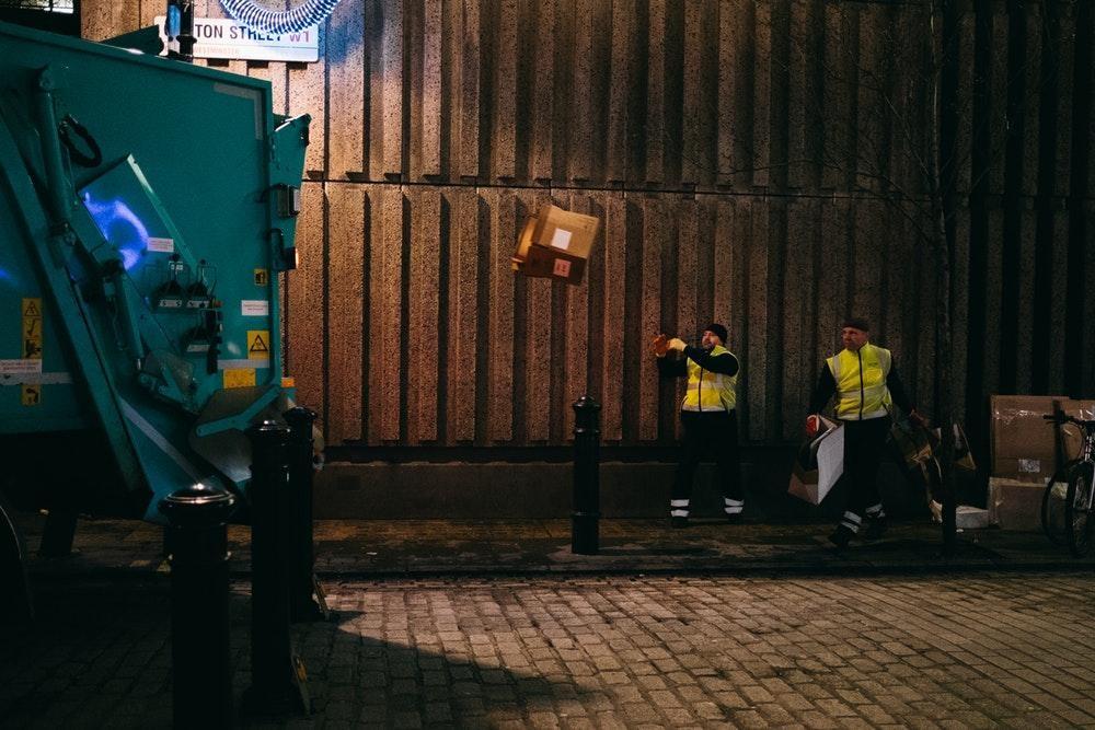 ý tưởng kinh doanh dịch vụ thu gom rác lề đường