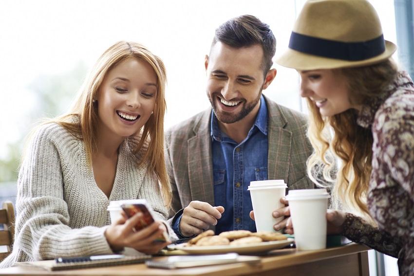 ý tưởng kinh doanh quán cà phê công nghệ