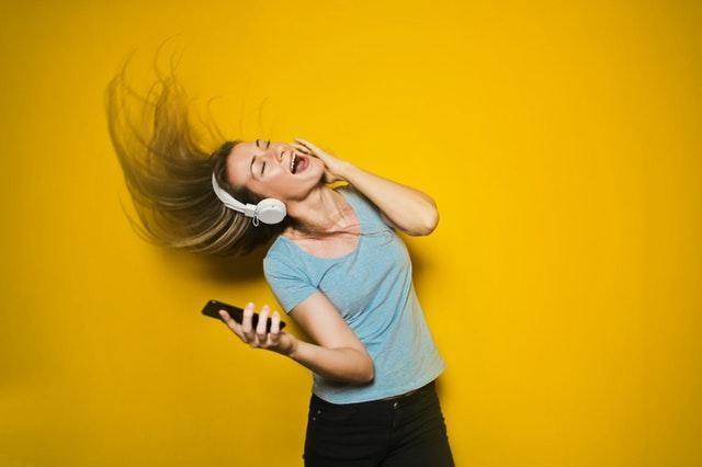 ý tưởng kinh doanh bán nhạc qua iTunes